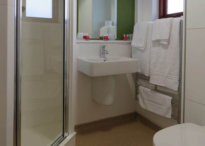 Harvey Court Double en Suite Bedroom