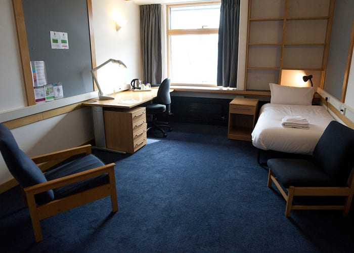 Located within Cripps' Court all single en suite rooms are bright and spacious with tea and coffee making facilities and internet access