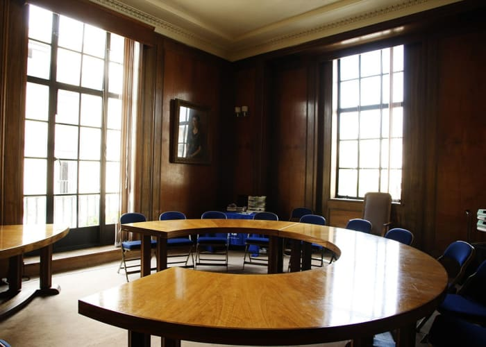 As well as having two large halls, the Guildhall can also offer committee rooms for smaller events Guildhall entrance