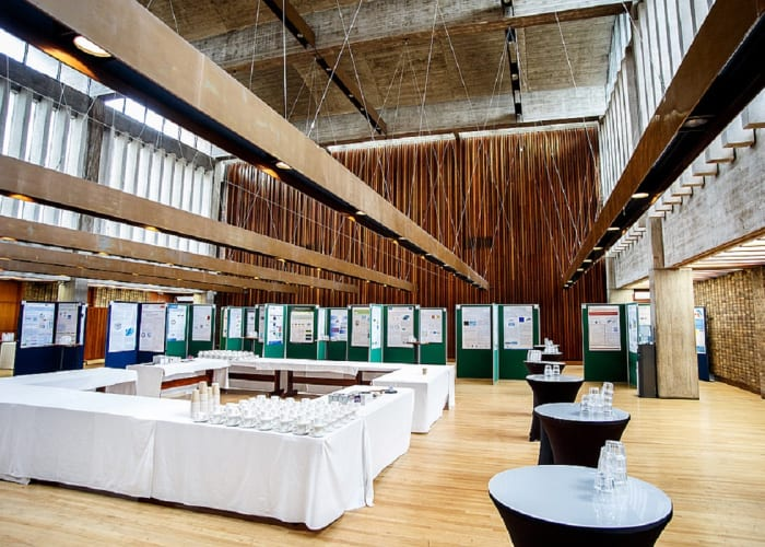 The largest dining hall of all the Cambridge Colleges, this voluminous flexible space is a blank canvas which can be used for traditional college dining, themed events with sets and staging or dining with dancing for up to 266 guests.
