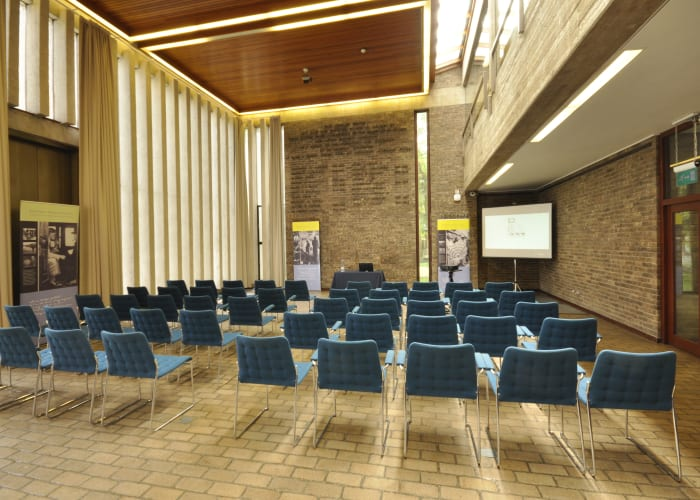 This purpose-built exhibition hall is a dramatic space, lending formality and grace to any conference exhibition, display or gathering.