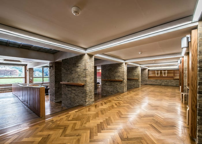 Although recently refurbished in 2011, the original exposed brick surfaces and grid-beamed ceilings of the Grade II* listed Harvey Court building have been left intact. Within this setting, the Harvey Court JCR provides an opportunity for a less formal meetings and is ideal for group discussions. Split over two levels and with the possibility of using room dividers, it also has the flexibility to hold a main meeting with smaller break out groups on the upper level. (Available during vacation periods only.)