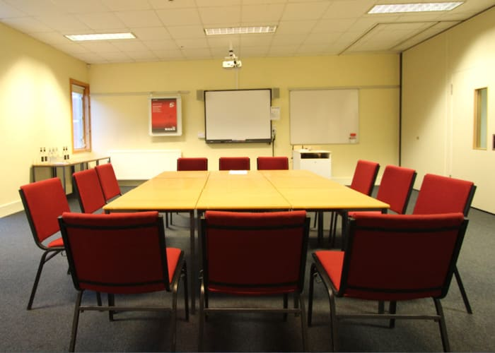 12 Smaller Seminar Rooms