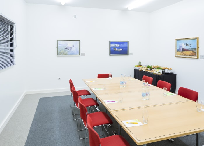Capacity: Minimum 8 / Maximum 18 (subject to package)  Overlooking the Conservation Hall, the Meteor Room is an ideal space for a smaller meeting or when used as a breakout as part of a larger conference. It has a screen, projection, whiteboard and flip chart.