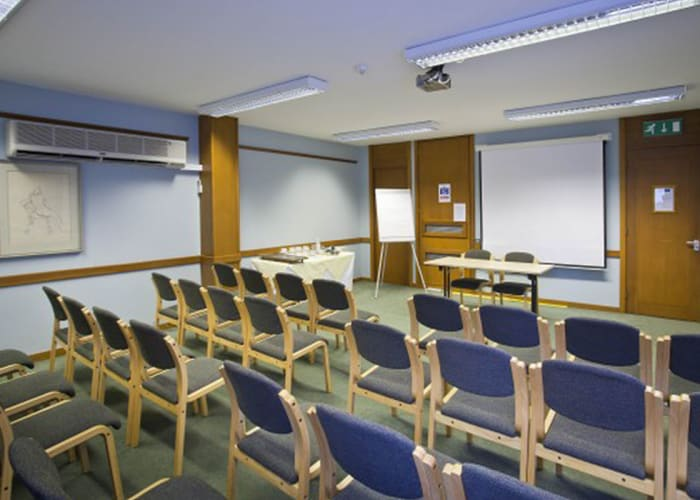 Centrally located, the Linnett Room is perfect for a small independent meeting or as a breakout room from a larger plenary session.