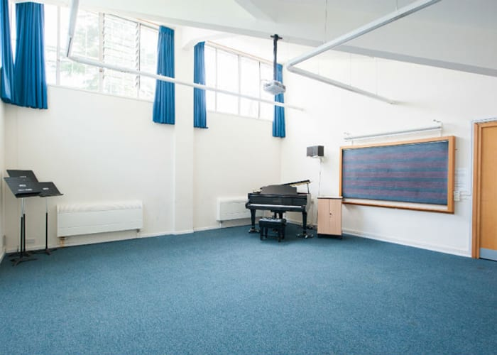 There are five Lecture Rooms available for breakout sessions and smaller events with capacities of 40-75 depending on layout. All lecture rooms are equipped with a screen, projector and Wi-Fi.