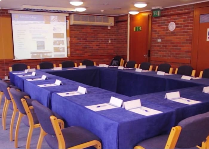 For independent meetings or breakout sessions a further 14 smaller meeting rooms are located conveniently near the main conference and catering areas
