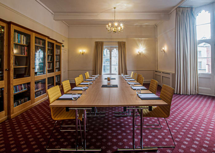 Meeting Room I4 is a room full of natural day light with windows overlooking Trumpington Street and St Botolph's Church. It is located on the first floor in New Court.