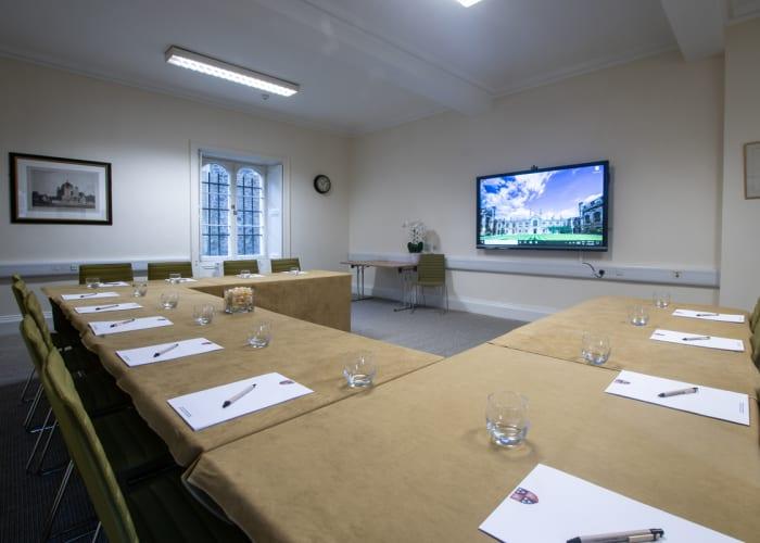 Ground floor, meeting room located in New Court.