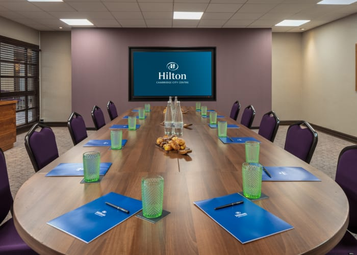 Situated in the exclusive events area the largest of the smaller meeting rooms, the Hawking suite can accommodate up to 60 delegates in a variety of layouts.