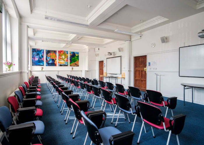 The Healey Room is our largest meeting space in the main College building. Filled with light and fully integrated AV, it features SMART boards, dual projection and flexible theatre layout