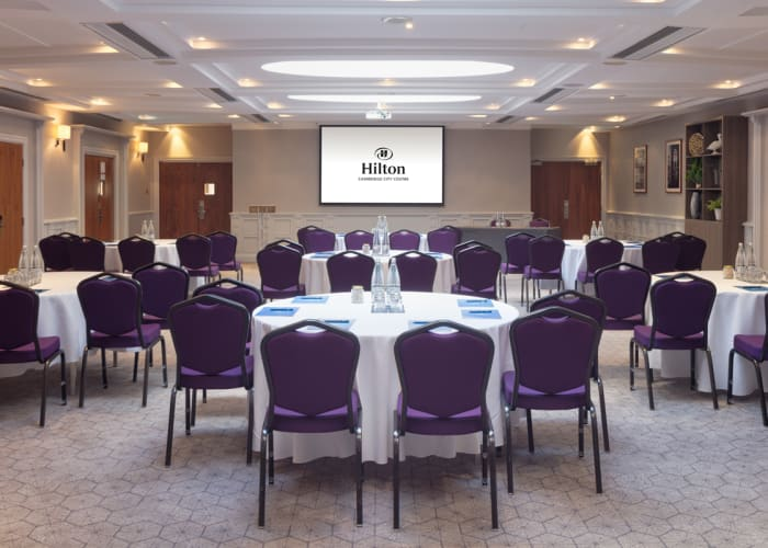 The Isaac Newton Suite is the largest suite at the Hotel and can accommodate a range of events; conferences, seminars, team buildings, weddings, parties. The pillar free space has built in AV Equipment, sky lit natural daylight and private bar.