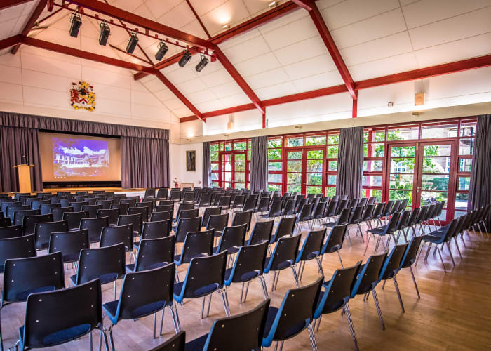 Large hall with foyer suitable for meetings, receptions and events up to 200 people.
