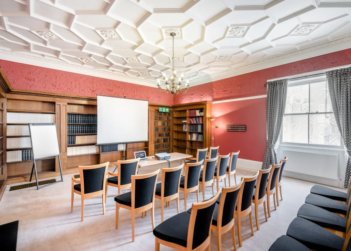 In the style of an old billiard room, the Library is one of three period rooms located in the Hall perfectly suited to smaller meetings or training sessions.  Natural daylight and natural air ventilation. No air conditioning.