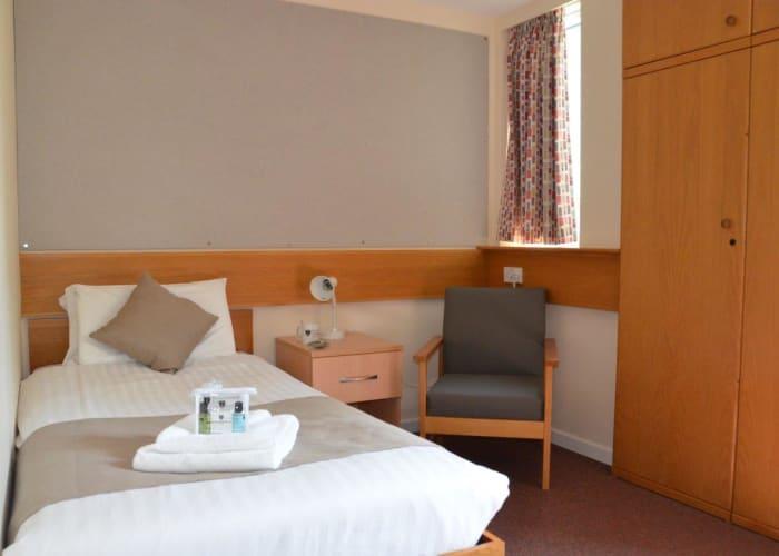 Pearl House - En Suite Bedrooms