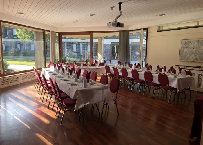 The Old Senior Common Room is of a unique shape and style, making it very popular. Its large windows look out onto the well-kept gardens and provide the room with a natural feel of light and air and is capable of seating up to 35 guests.