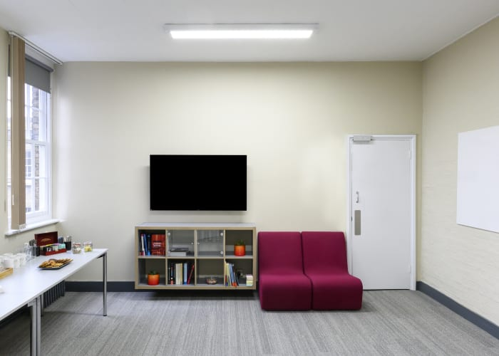Reception space for up to 10 people