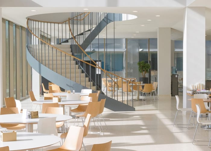At the Granta Restaurant (situated on the ground floor), with its own patio, you'll be able to get, lunch or dinner in a more traditional seated environment.