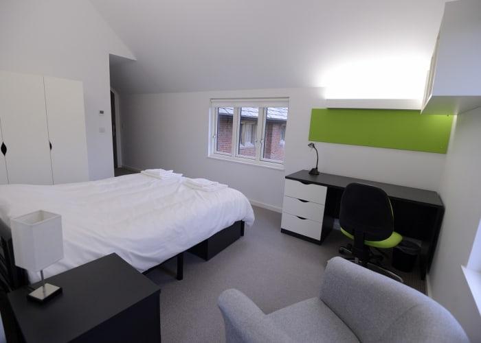 Double en-suite (self-catering)