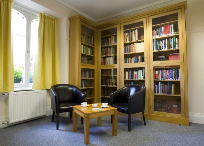 The Cambridge Room is conveniently located close to the main entrance to college and the Porter's Lodge. It is a small, ground floor break out space and served perfectly as a registration office or refreshment break area.