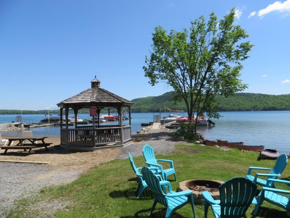 Bayside Inn & Marina - Lakeview