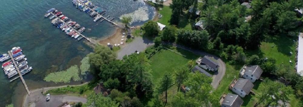 Aerial view of Bayside Inn & Marina
