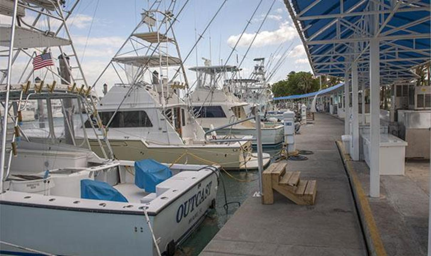 Deep sea fishing charter boats at Bill Bird Marina at Haulover Park