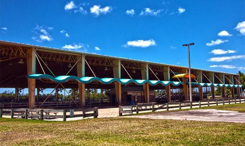 Tropical Park Equestrian Center - fuera de