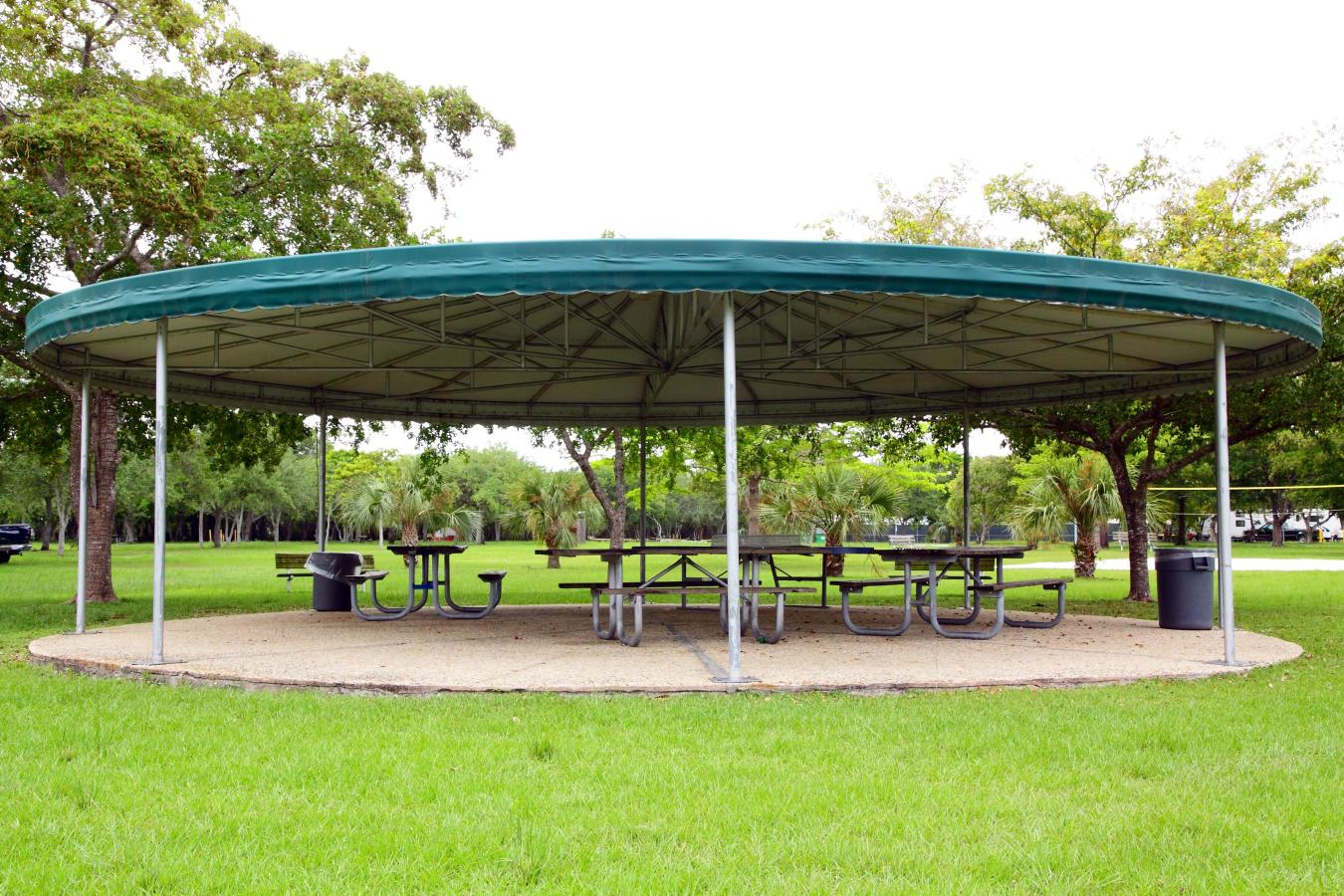 Picnic pavilion at Larry & Penny Thompson Park