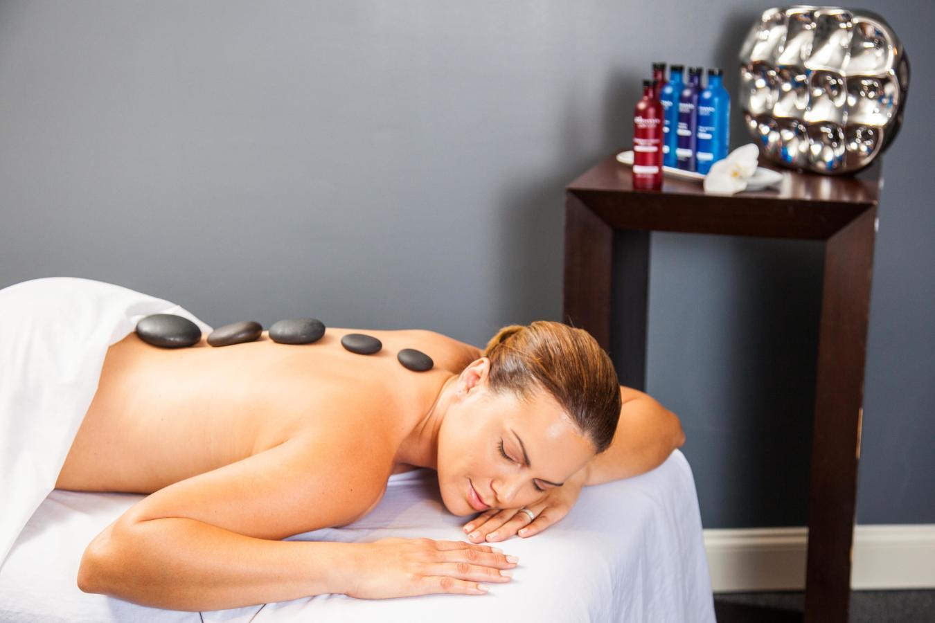 Elemis Aroma Spa Massaggio terapeutico.