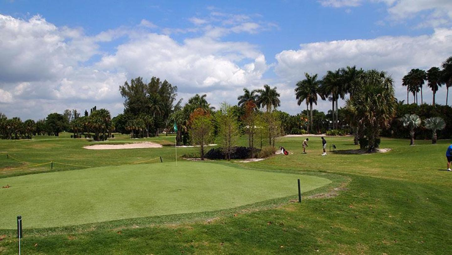 The short game practice area at Country Club of Miami