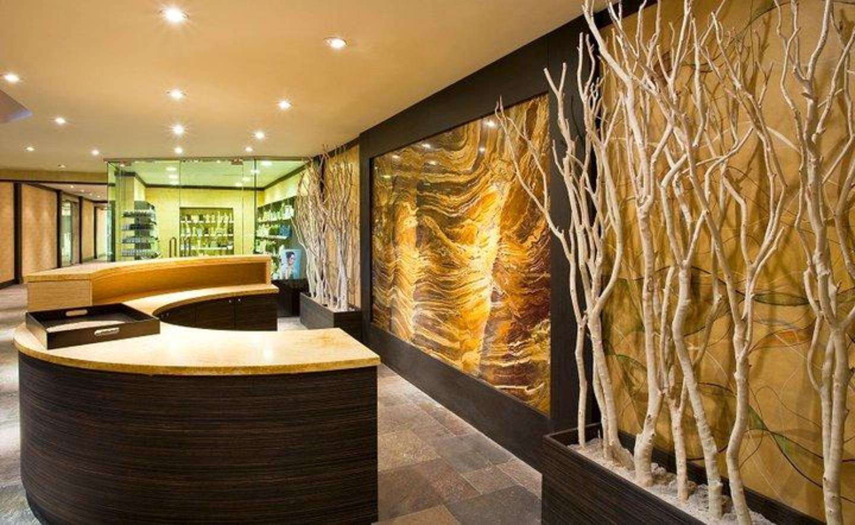 Seven Seas Spa & Salon