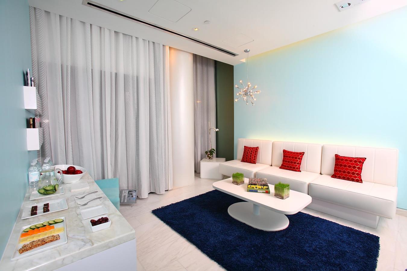Bliss South Beach men's lounge,