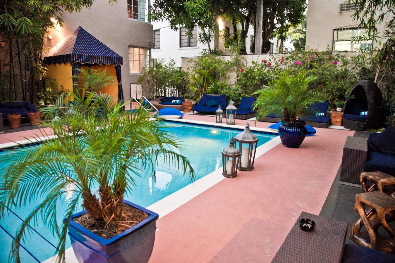Riviera South Beach Pool