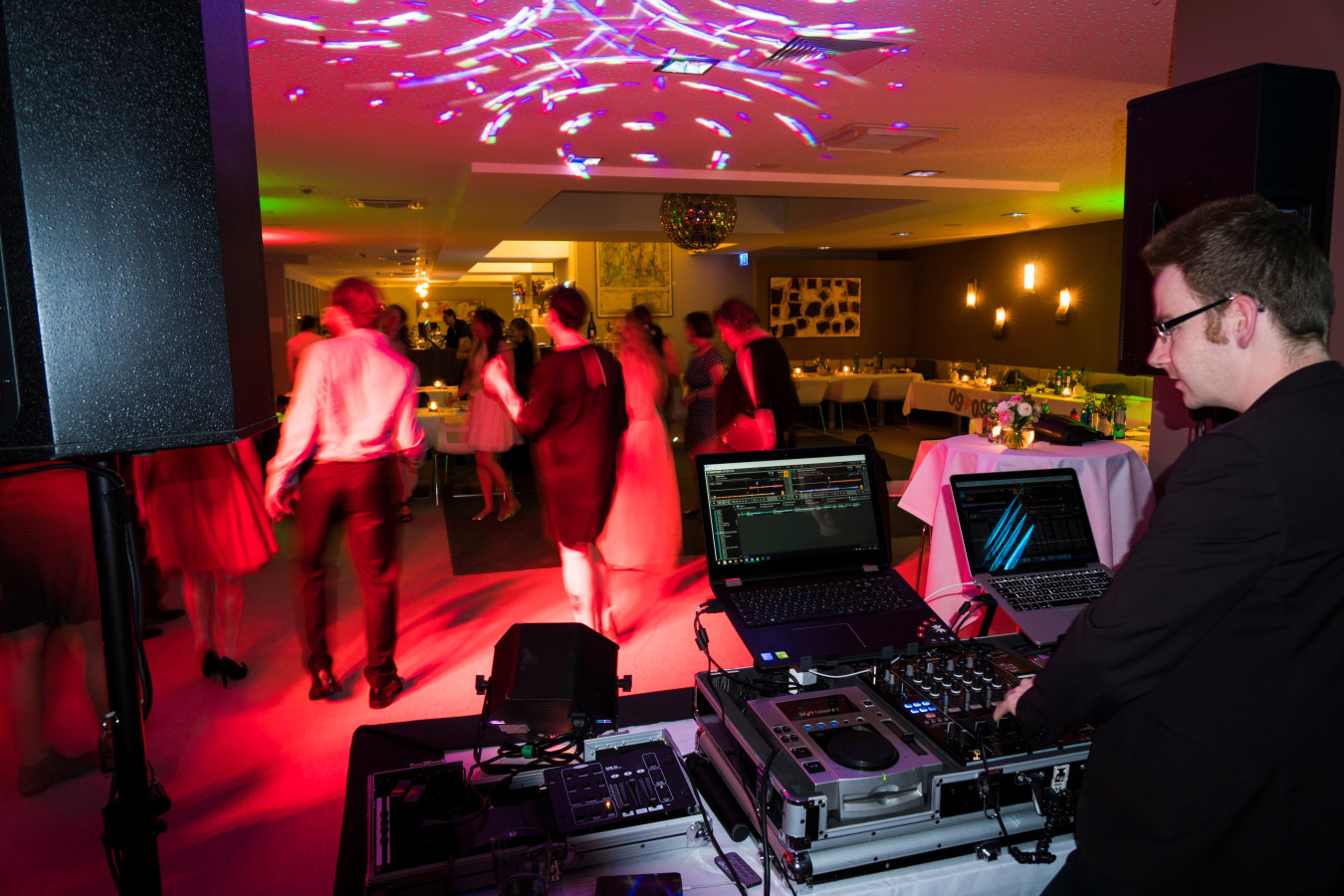 MHW Live Music DJ