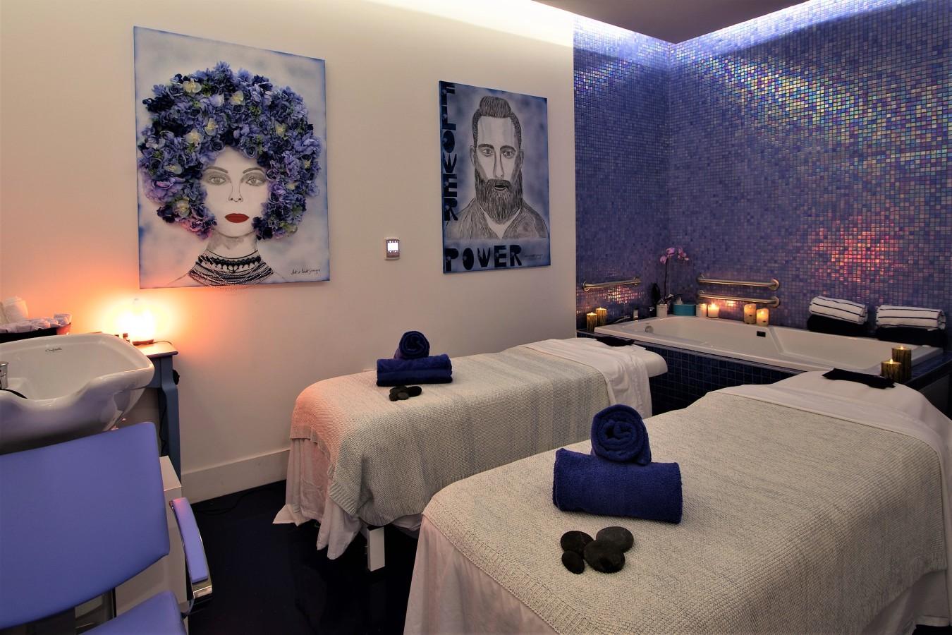 Avenue Montaigne -  Couple room