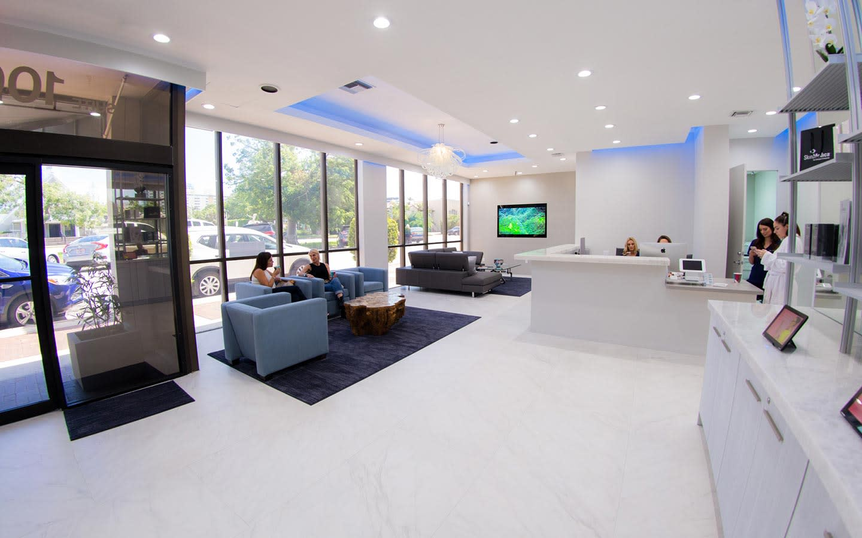 Azuri Lobby