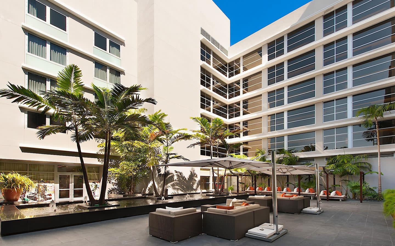 Boulan South Beach Courtyard