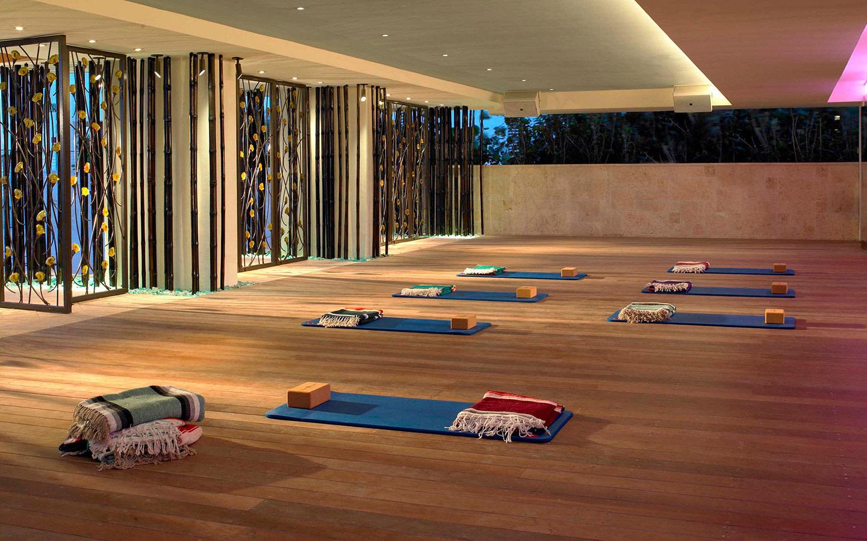 Carillon yoga room
