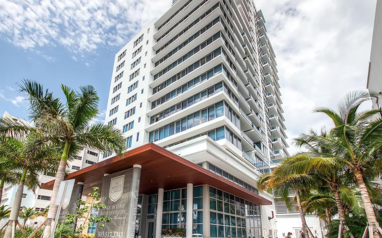Churchill Suites Monte Carlo Miami Beach façade