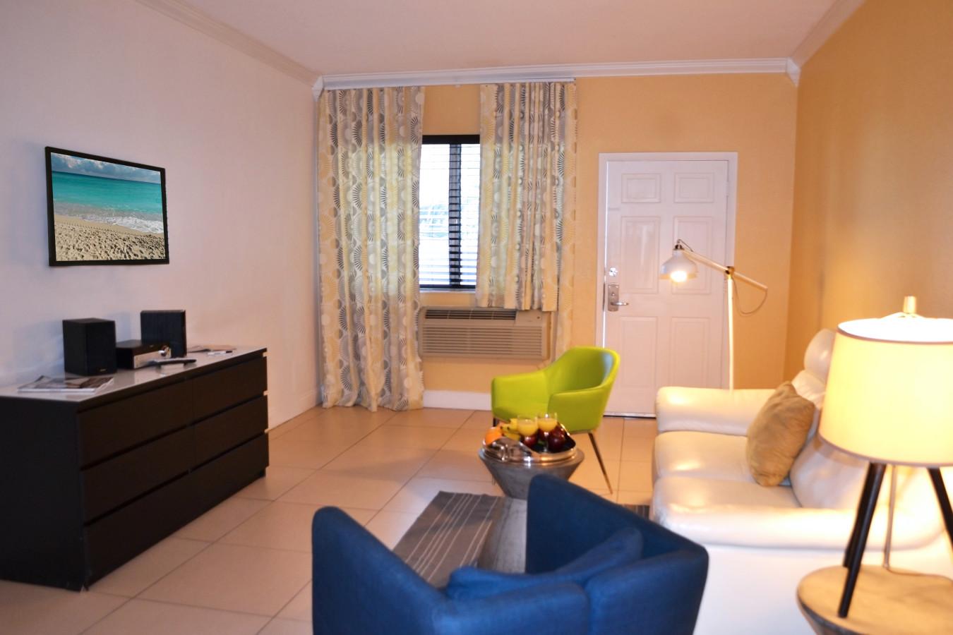 Beachside Apartment Hotel - Living Room Area