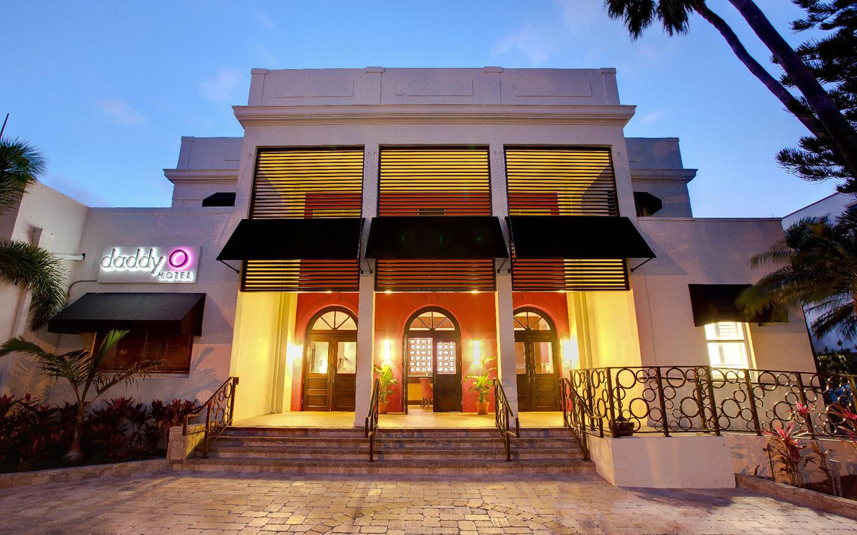 Daddy O Hotel Facade