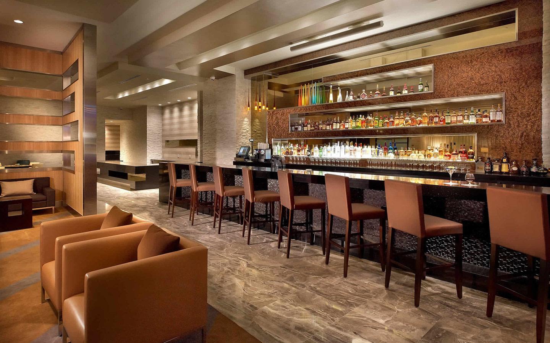 EB Hotel Miami bar