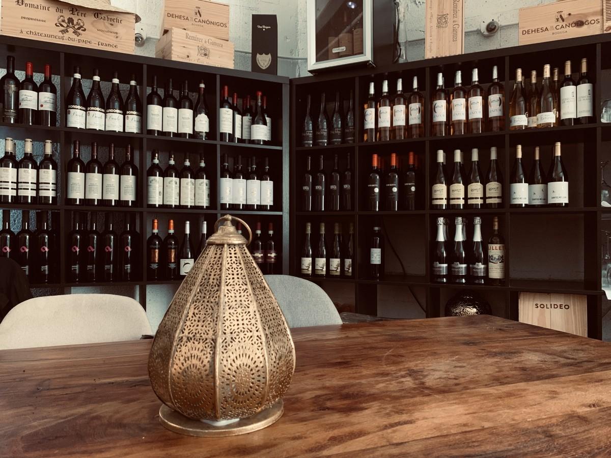 Extensa carta de vinos