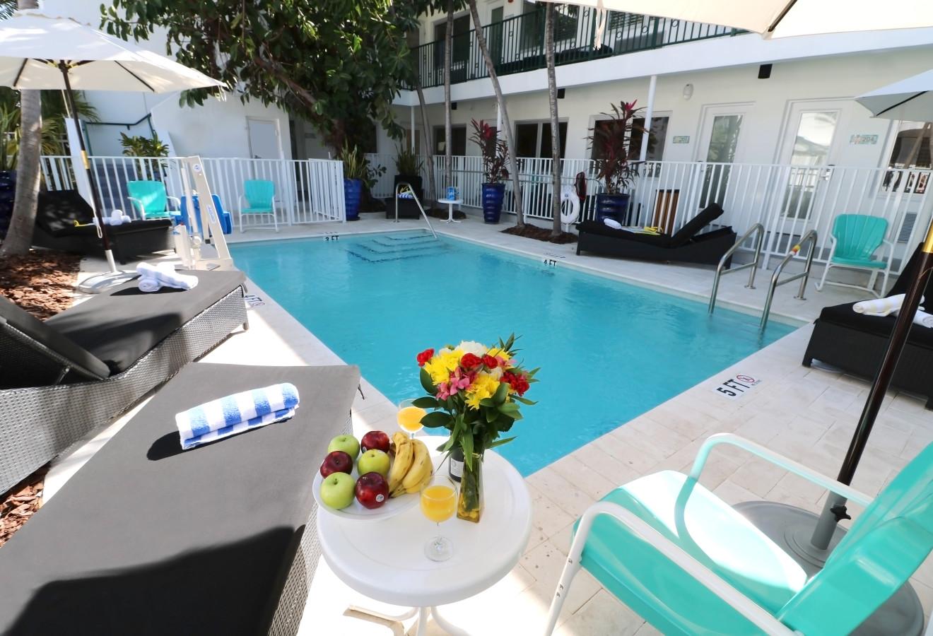 Seaside Apartment Hotel - Pool