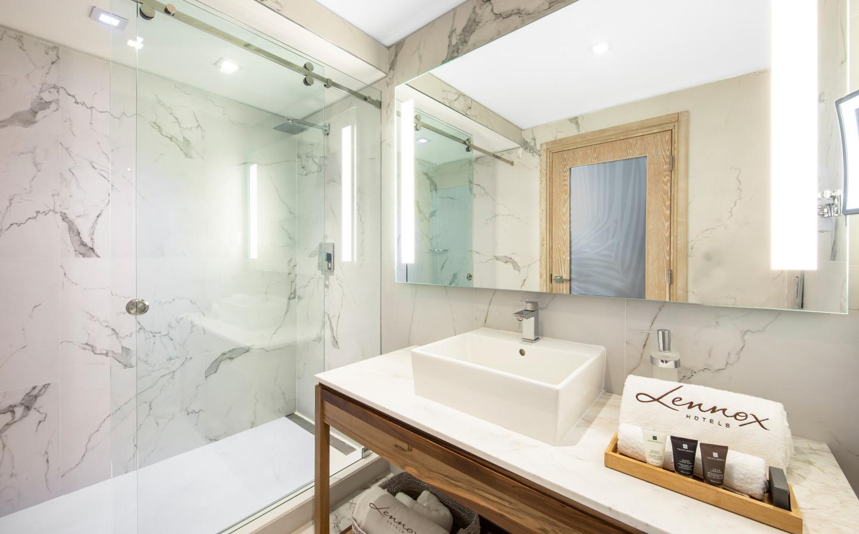 King Balcony Bathroom