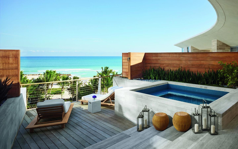 Premiere Bungalow Ocean View Suite