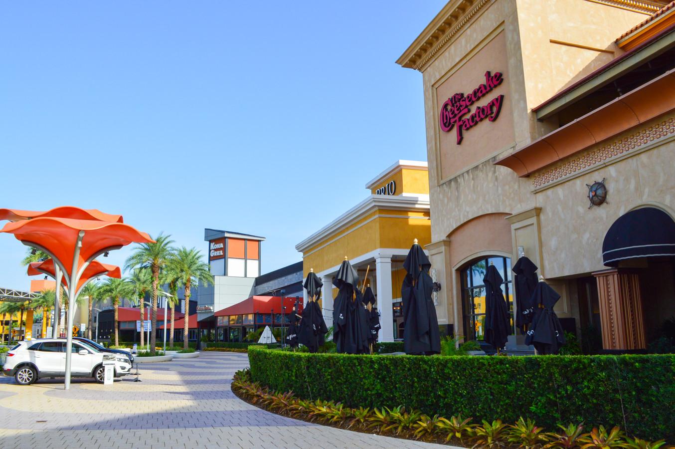 4bcc07adf4fa Dolphin Mall. Entrance. Restaurant Pad