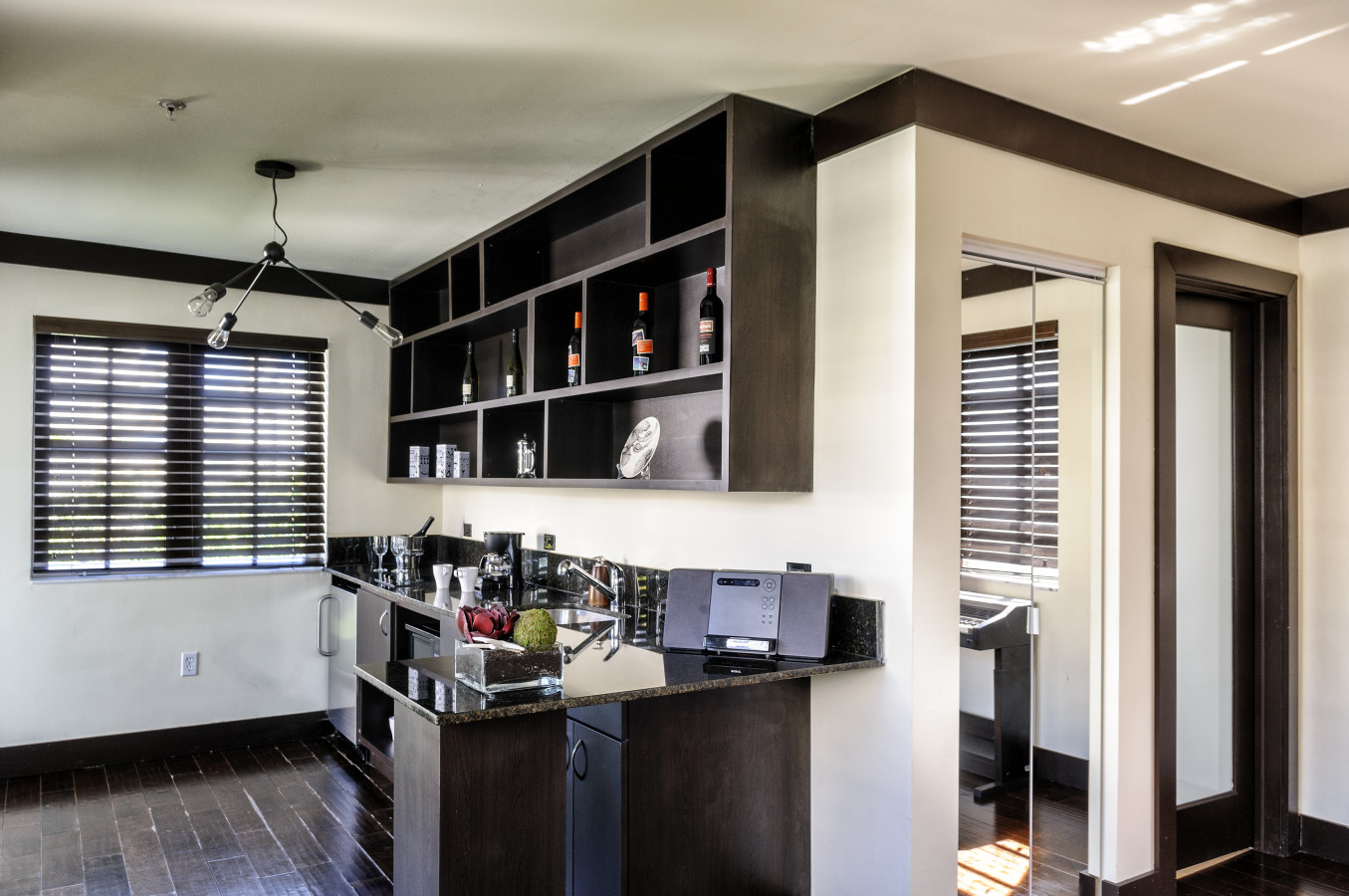 Fully Equipped Kitchen - Lincoln Arms Suites