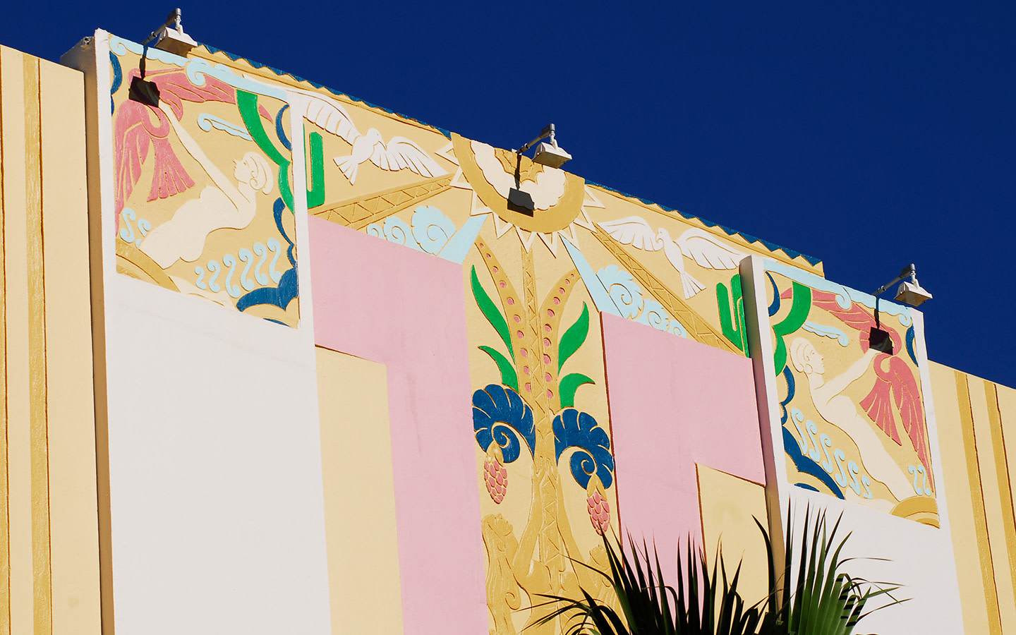 Art deco building on Ocean Drive